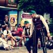Spektakl uliczny L'Estrada - Teatr Na Walizkach